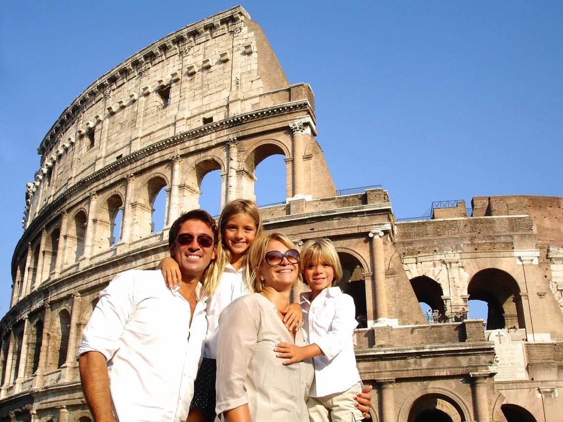 Ale, Viky, Mamma e Papo al Colosseo estate 2012 2