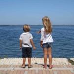Sopravvivere a una vacanza con bambini. Vi spieghiamo come fare!