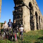 In bici nel Parco degli Acquedotti di Roma