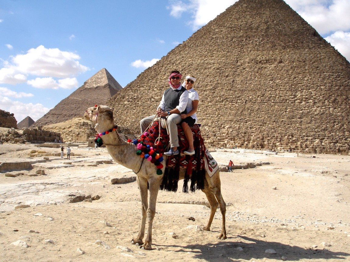 Pyramids Giza -  Noi 2