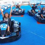 Sfrecciare con i Go-Kart su un circuito ipertecnologico